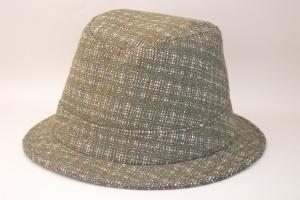 1019:SHORT-BRIM HAT