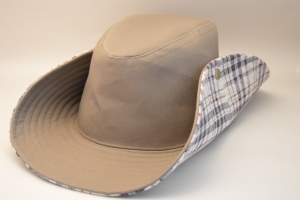 1022:TEN-GALLON HAT